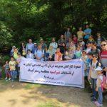 اقدامی قابل توجه به مناسبت «هفتهی تامین اجتماعی»؛ کوهپیمایی همراه با جمعآوری زبالههای پلاستیکی